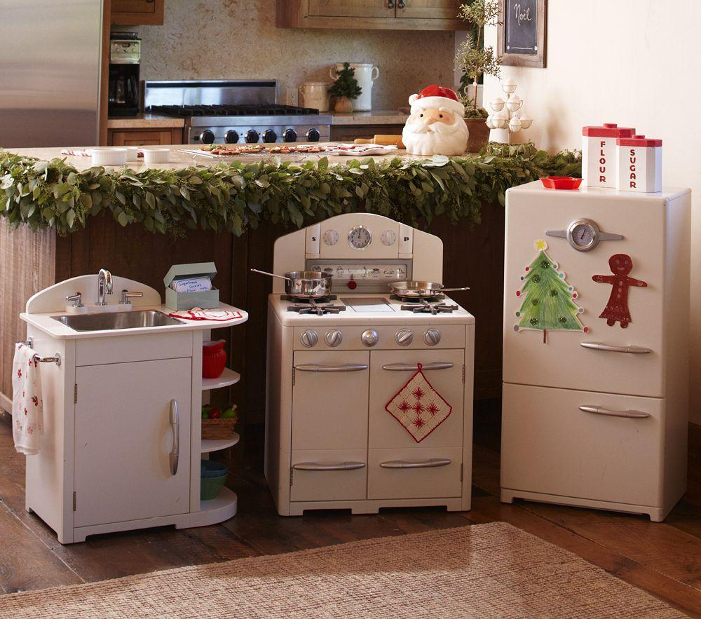 Retro Kids Kitchen: Simply White Retro Kitchen Collection