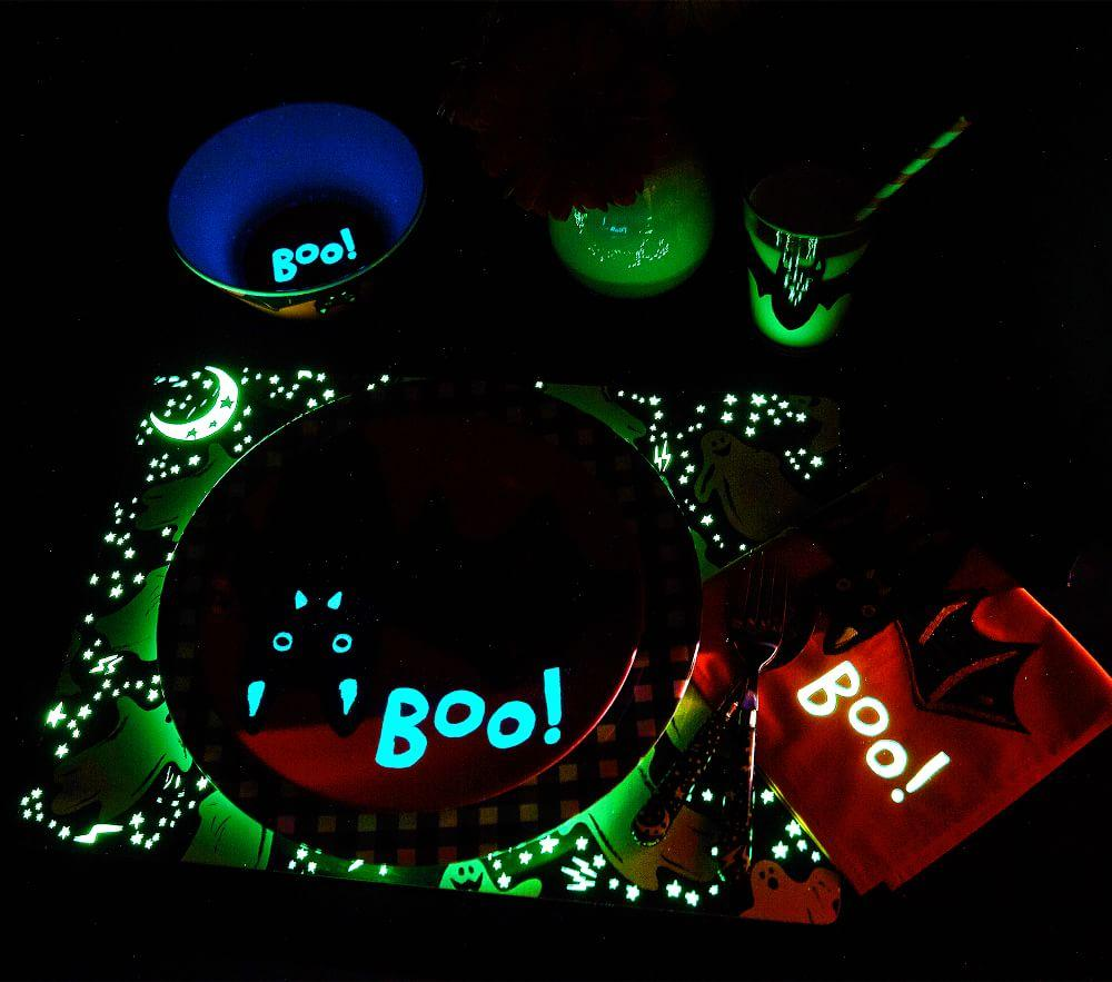 Halloween Glow-in-the-Dark Ghost Placemat
