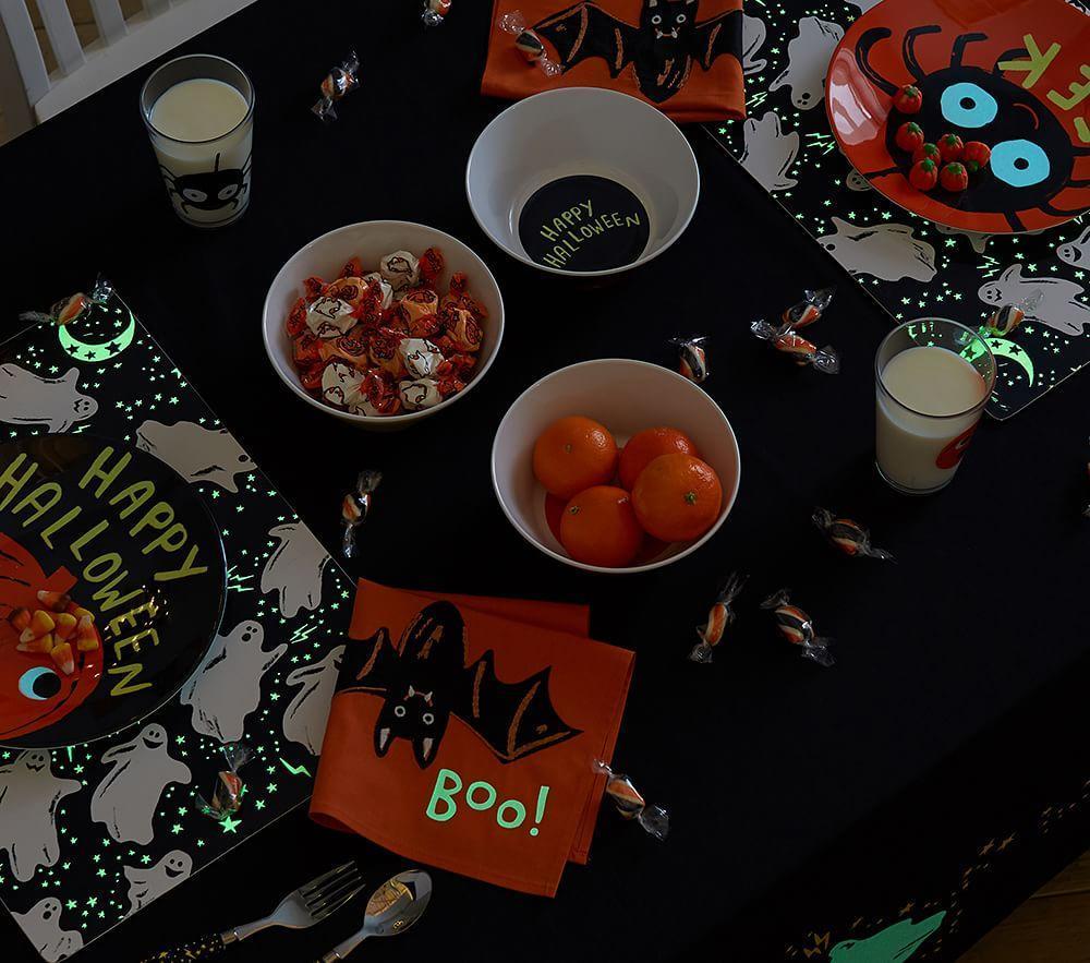 Halloween Glow-in-the-Dark Plates
