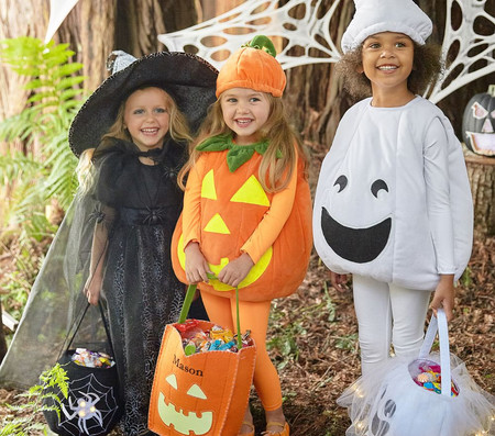 30% off Costumes & Tote Bags
