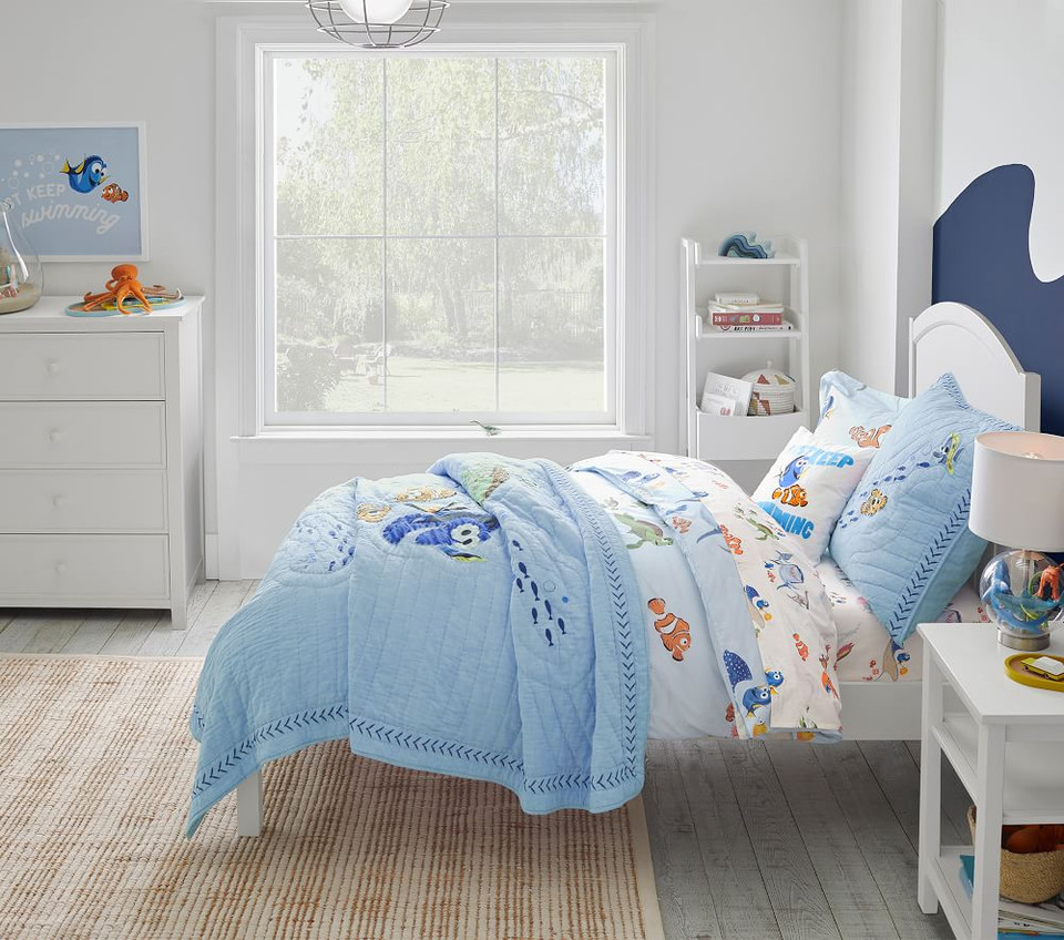 Disney and Pixar Finding Nemo Sheet Set