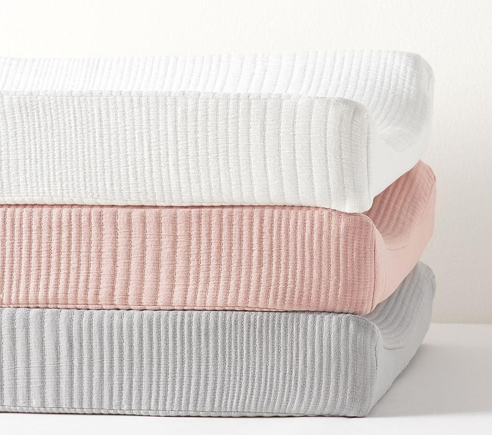 west elm x pbk Organic Matelasse Changing Pad Cover