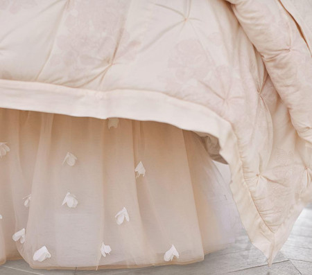 Monique Lhuillier Ethereal Lace Comforter